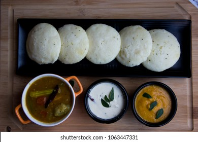 Idly with sambar Iddli is a traditional breakfast of South Indian