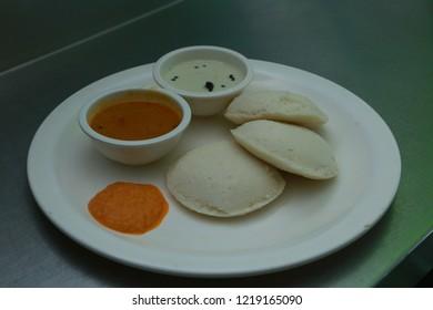 Idly with Sambhar and  chutney kerala