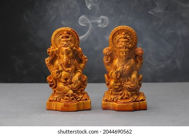 Idol of Laxmi and Ganesha made with clay.