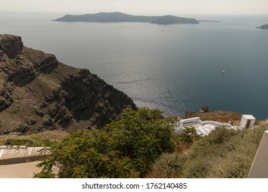 Idylic seascape in the volcanic island Santorini