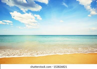 Idyllic beach in Sri Lanka - copy space