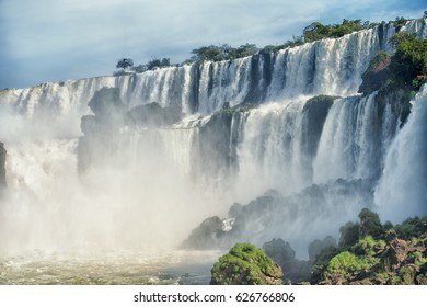 Iguazu falls, 7 wonder of the world in, Catarata - Argentina