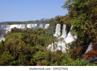 Iguazu river falls inserted between the province of Misiones (Argentina) and the Brazilian state of Paraná