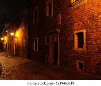 Ild Town by night