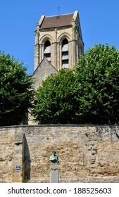 Ile de France, the picturesque church of Auvers sur Oise