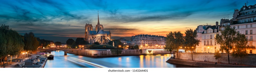 Ile de la Cite and Notre Dame at sunset, Paris, France