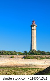 Ile de Ré - The lighthouse Phare des Baleines at the coast