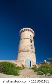 Ile de Ré - the old museum tower next to the lighthouse at the northcoast