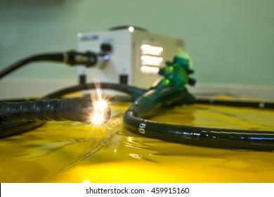 Illuminated flexible endoscope, medical investigative and surgical tool