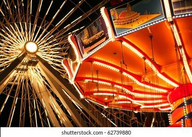 Illuminated rides at Navy Pier, Chicago