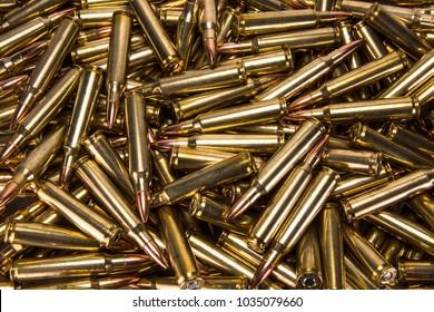 Een stapel .223 munitie