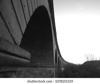 カークストール高架橋、リーズ