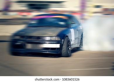 drift car battle