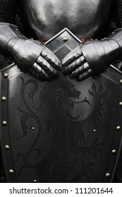 Rüstung des mittelalterlichen Ritters