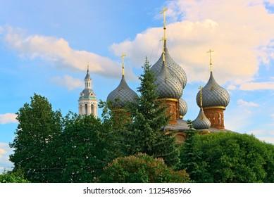 Kuppel der Auferstehungskirche auf Debra. Kostroma, Russland.