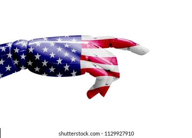 貿易戦争の関税。アメリカの人工知能は、グローバルな人種の支配、ニューラルネットワーク、ディープラーニングの概念ですべてのインダストリー4.0を混乱させます。。白い背景の上の旗とロボットハンド。