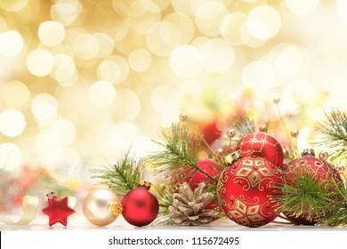 Weihnachtsdekoration auf abstraktem Hintergrund