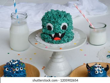 Homemade cakes for children's birthday, children's day, party and halloween's day / Monster Theme Cake / Smashing time for children to chip in their creativity in making and  decorating the cake