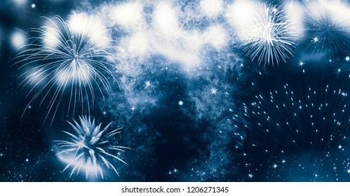 新年とコピースペース-抽象的な休日の背景で花火