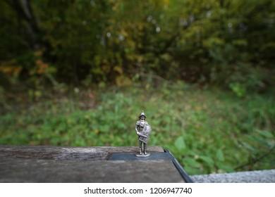 Figura de guerrero de otoño 2018