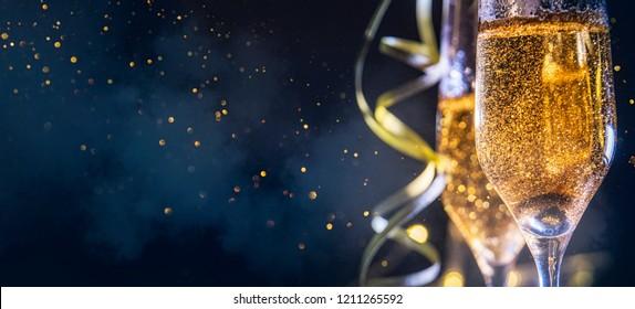 Frohes Neues Jahr 2019! Weihnachts- und Neujahrsfeiertagshintergrund, Wintersaison.