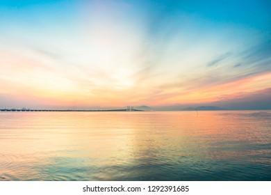 背景をぼかすための日の出の反射