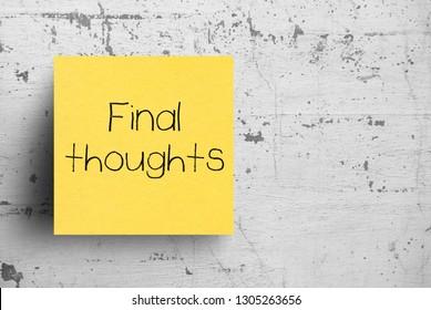 Nota adhesiva sobre muro de hormigón, pensamientos finales