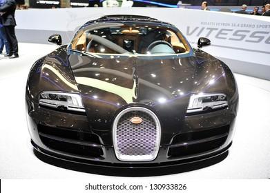 "ŽENEVA, 2013 m. KOVO 5 d .: ""Bugatti Veyron"" rodoma 83-ojoje Ženevos automobilių parodoje, Šveicarijoje."