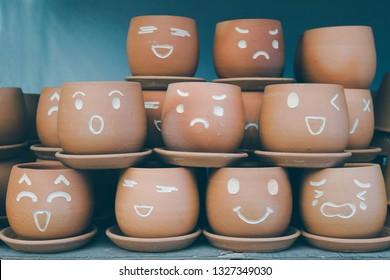 Linda maceta. Conjunto de emoticones y emojis