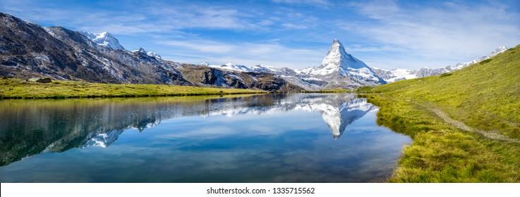 Panorama Stellisee con Matterhorn en el fondo, Zermatt, Alpes Suizos, Suiza