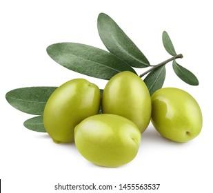 Deliciosas aceitunas verdes con hojas, aisladas sobre fondo blanco.