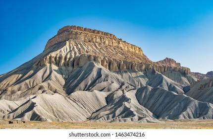 Uitzicht op Mount Garfield die ten noorden ligt tussen Grand Junction en Palisare Colorado