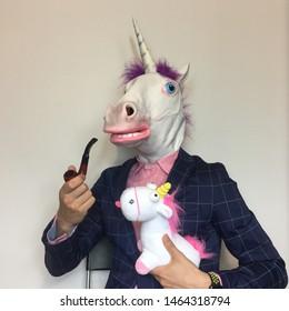 Pipe à fumer licorne avec une licorne marionnette