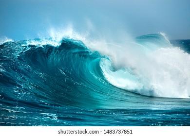 Wellen im Ozean