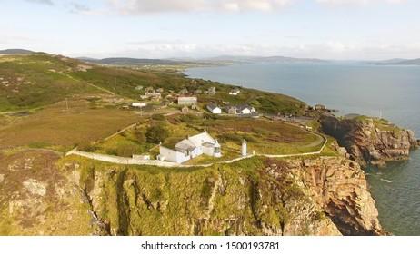 大西洋のダンリーフォートと灯台郡ドニゴールアイルランド