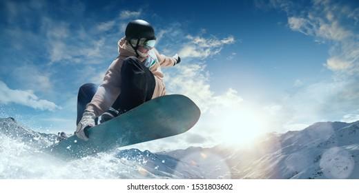 スノーボーダーの活躍。極端なウィンタースポーツ。