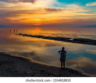 Foto de la puesta de sol en el mar Báltico