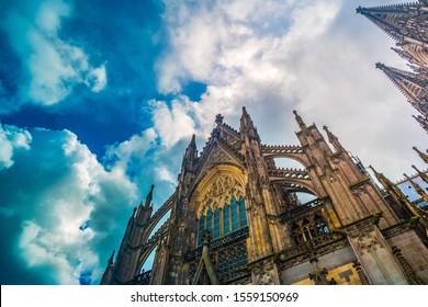 Kölner Dom. Welterbe - ein römisch-katholischer gotischer Dom in Köln. Wunderschöne mittelalterliche Architektur Deutschlands.