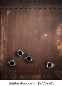 oude metalen achtergrond met kogelgaten
