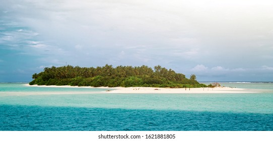 Fuvahmulah island in the Maldives, seen from the boat.