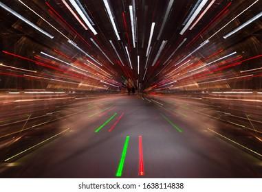 露出テクニック中にズームインします。空間の次元を変えるSF映画のような遠近感と超高速モーションを作成するライトの抽象的な画像