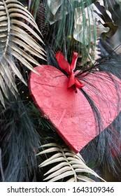 Valentinstagskarte - Herz aus Holz.
