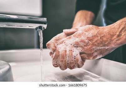 Prevención de pandemias de coronavirus, lávese las manos con agua tibia y jabón, frotándose las uñas y los dedos con frecuencia o usando gel desinfectante para manos.