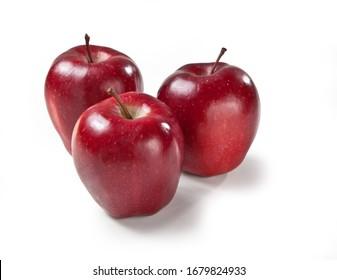 Roter köstlicher Apfel lokalisiert auf weißem Hintergrund Mela Stark italienisches Essen