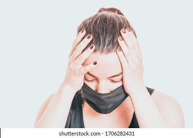Worried, scare, panicked american woman in medical mask, concerned about viral pandemic illness, paranoid of pandemic.