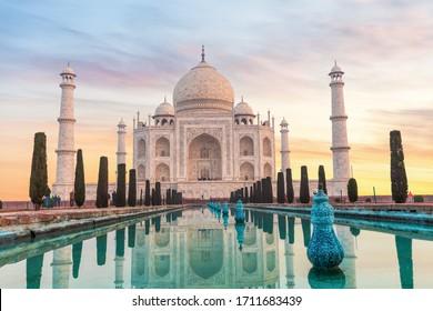 Taj Mahal en India sin gente, Agra