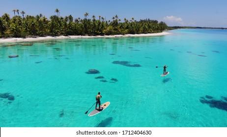 Paddle Board Lagune in Französisch-Polynesien