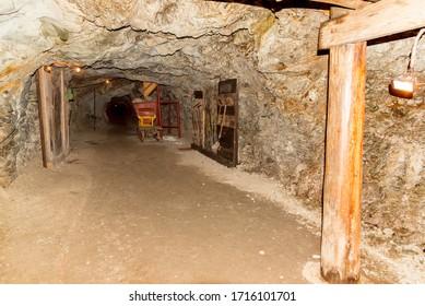 Minecraft: dentro de una mina de oro