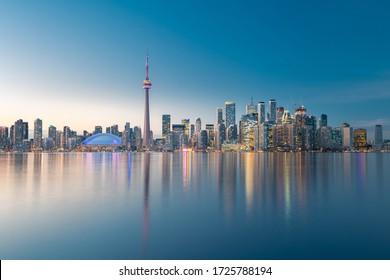 El horizonte de la ciudad de Toronto, Ontario, Canadá