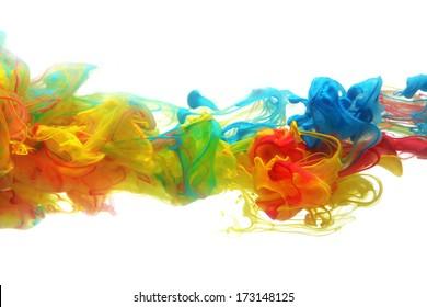 Tinta colorida en abstracto de agua